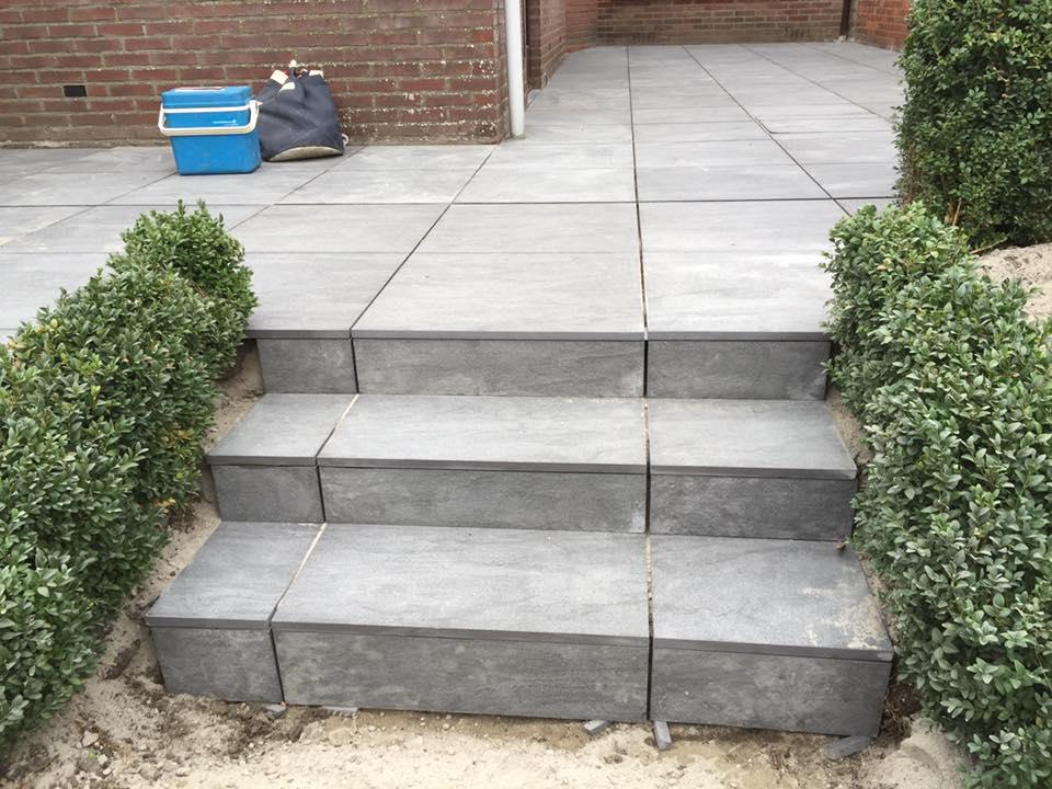 Realisaties bvo gardens breskens for Trap tuin aanleggen